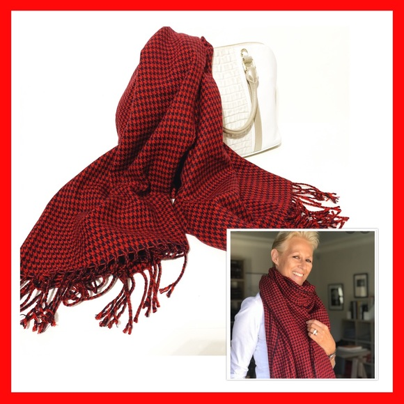 "Accessories - NWOT Red ""houndstooth"" Scarf"
